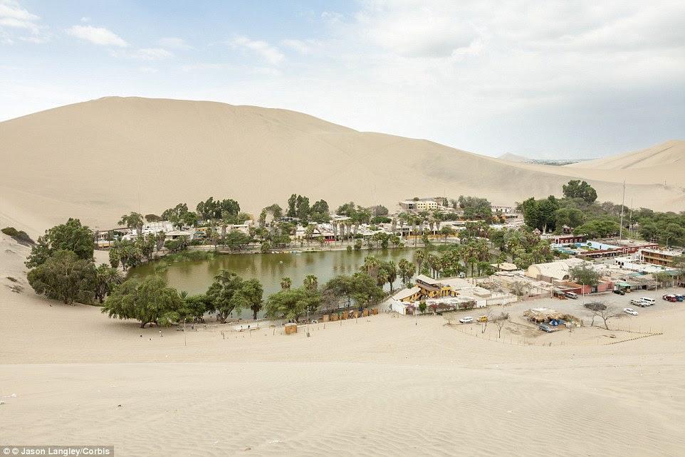 A pitoresca vila é ainda destaque na parte de trás da nota de 50 Nuevo Sol (moeda oficial do Peru). Como a maioria dos desertos, a temperatura é tipicamente quente, ensolarado e seco, com muito pouca chuva. 'Alta' cai entre maio e agosto, que é tempo de inverno para a região