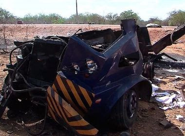 Curaçá: Grupo atira, rende vigilantes e explode carro-forte em trecho de BA-210