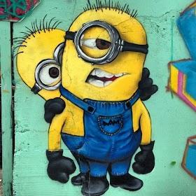 Graffiti Gambar Minions Keren