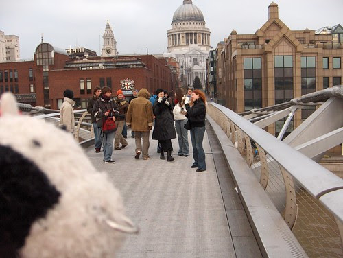 A moment of quiet reflection on the Millennium Bridge