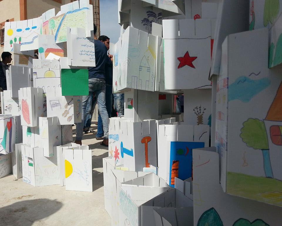 Le costruzioni dei bambini di Shujjaya (Foto: Patrizia Cecconi/Nena News)