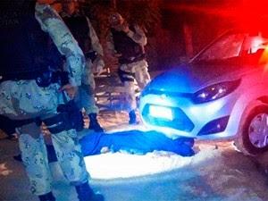 Segundo a polícia, corpo foi arrastado por 13 quilômetros  (Foto: Francisco Coelho/Focoelho.com)