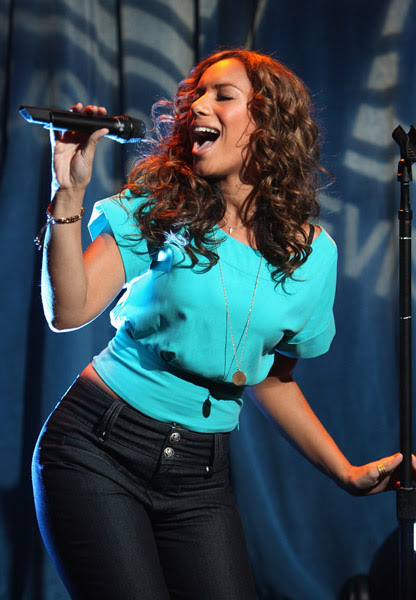 LEONA LEWIS ON TRL glamour hot actress maternity children
