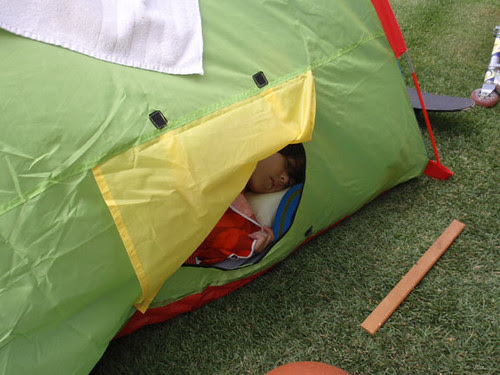 tent eats boy