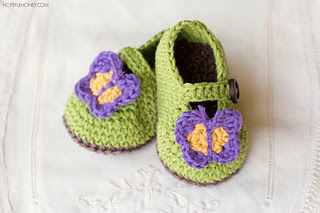 Butterfly_garden_baby_booties_free_crochet_pattern_2_small2