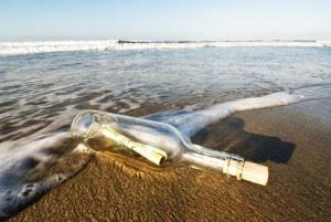 perierga.gr- Μήνυμα σε μπουκάλι... 98 ετών βρέθηκε στη θάλασσα!