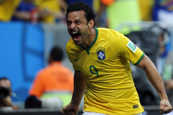 Fred marcou o terceiro gol da seleção brasileira sobre Camarões