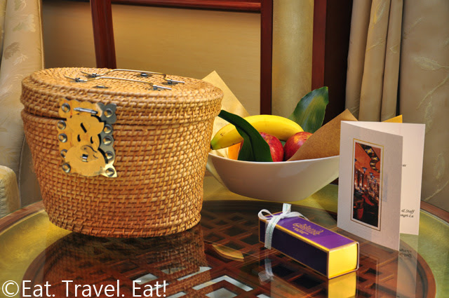 Island Shangri-La Fruit and Tea with Gift