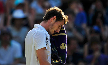 andy murray wimbledon 2010. Andy Murray dries his face