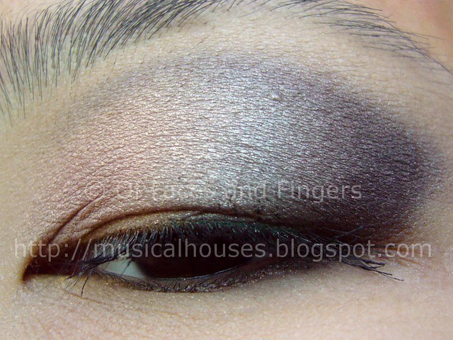 peach grey moody eye look 2