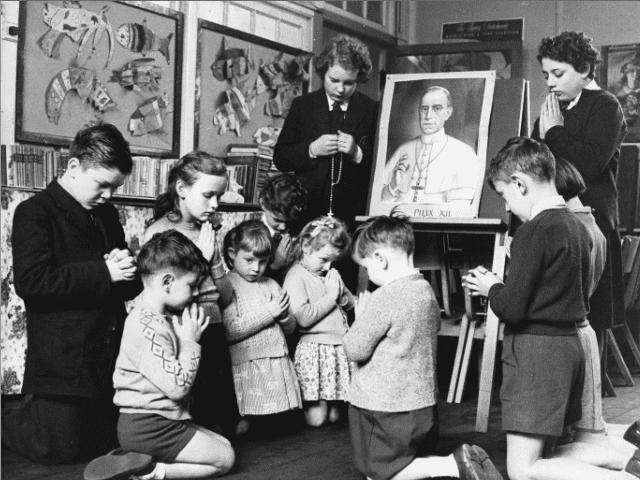 Christian School Pray Children Catholic