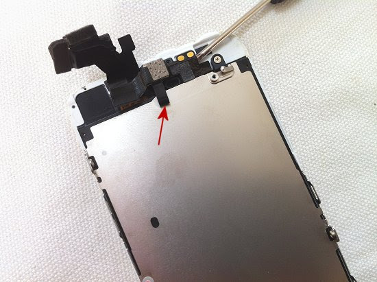 iPhone 5 disassembly stage 12
