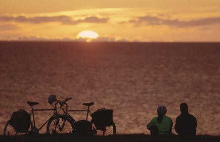 File:Coucher de soleil Îles-de-la-Madeleine Québec.jpg