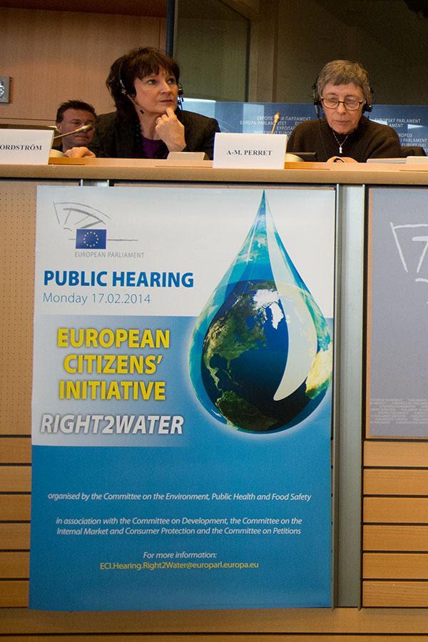 Imagen de la sesión sobre Derecho al Agua, la primera iniciativa ciudadana que llega al Parlamento Europeo