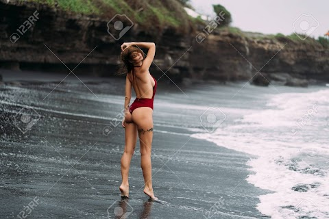 Hot Ass Walking Pics (@Tumblr)   Top 12 Hottest