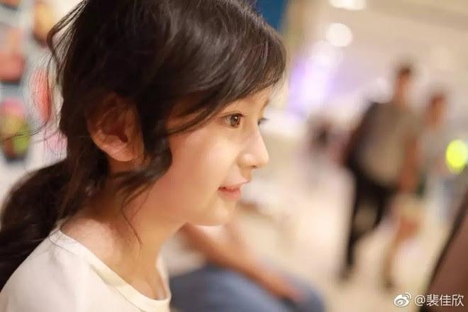 Thiên thần nhí 8 tuổi xinh lung linh, giống Kim Ji Won như tạc - Ảnh 9.