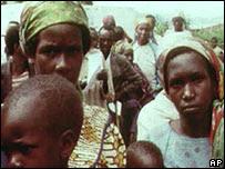 Refugiados de Ruanda en Zaire en 1996 (foto archivo).