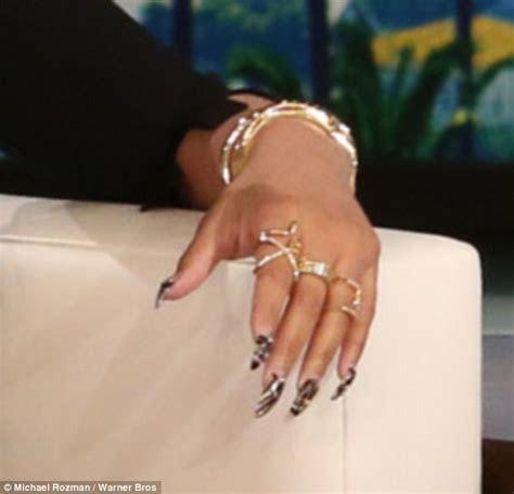 Nicki Minaj cools engagement rumors to Meek Mill by