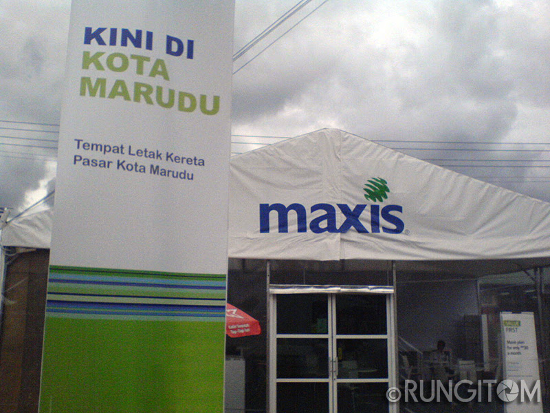 Maxis Pop Up Retail Centre Kota Marudu Honeydew and the weekend life in Kota Marudu town
