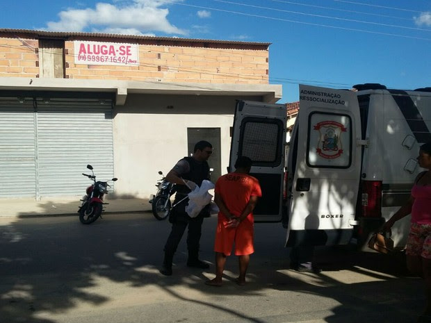 Detento foi agredido por colegas de cela e encaminhado até o Hospital Municipal (Foto: Sulbahianews / Alexandro Sousa )