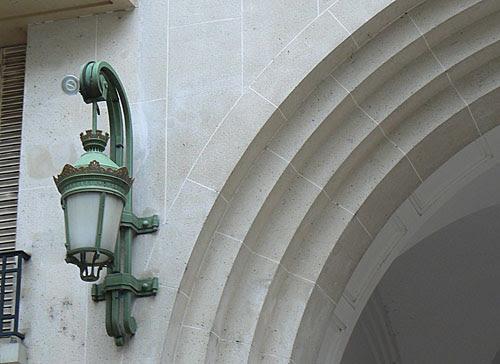luminaire rue Raynouard.jpg