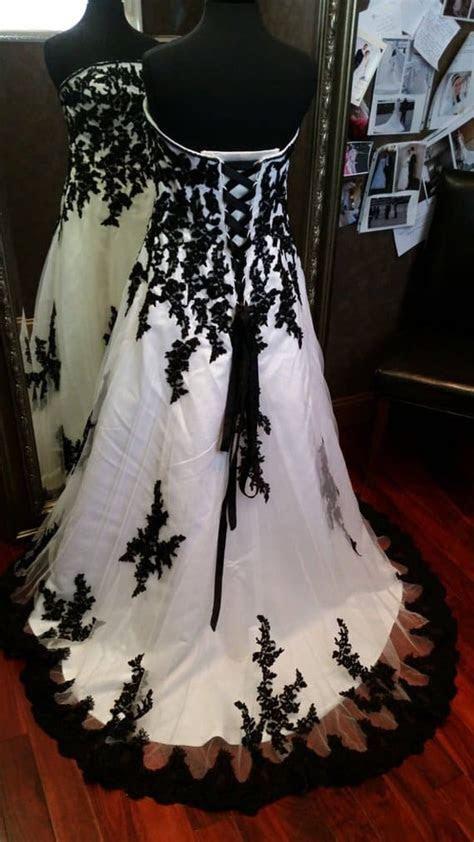 Gorgeous Gothic Wedding Dresses & Accessories