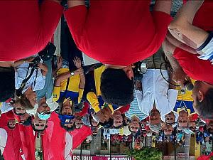 Funcionários dos Correios e bancários fizeram manifestação unificada na Praça do Ferreira (Foto: Gioras Xerez/G1)