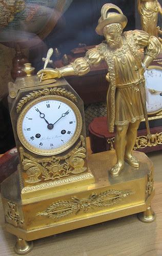 Renessanssimies ja kello by Anna Amnell