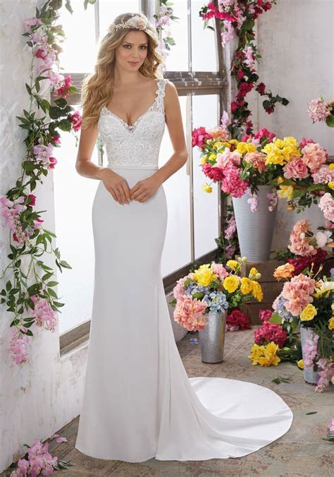 Best 25  Sheath wedding gown ideas on Pinterest   Halter