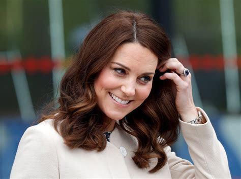 Does Kate Middleton Wear a Wedding Band?   POPSUGAR