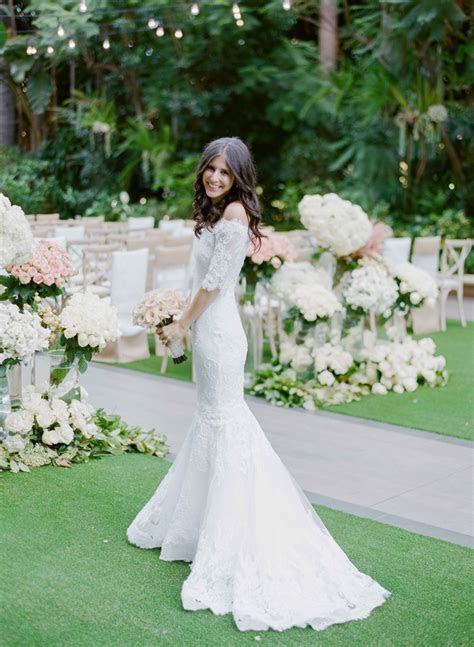 Wedding Dresses Photos   Bride in Off Shoulder Lace Gown