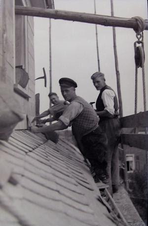 Dachdecker im alten Breitscheid