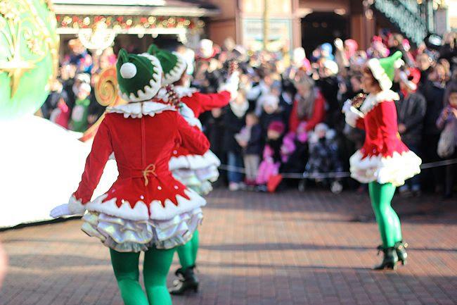 photo 10-Disney_noeumll_parade_elfes_zps3b9f7b3a.jpg