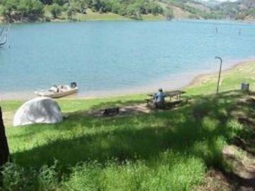 Inflatable kayak report kayak camping lake sonoma thumb for Lake sonoma fishing report