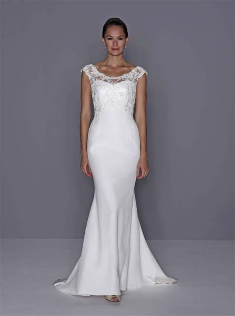 The charm in wedding dresses for older women: Pictures