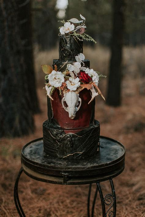 Enchanted Moody Halloween Wedding Shoot   Weddingomania