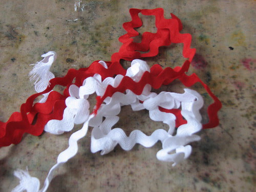 25 Days of Hand Crafted Gifts & Ornaments - Ric Rac Candy Cane 001