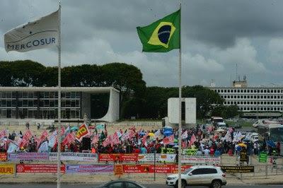 MPF/DF pede retirada de cercas em volta do STF e dos Palácios do Planalto e Alvorada