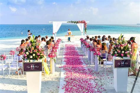 Top 10 Destination Beach Weddings   By Fox Travel