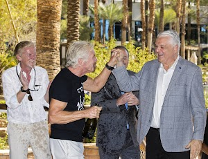 50+ Richard Branson Las Vegas Pics