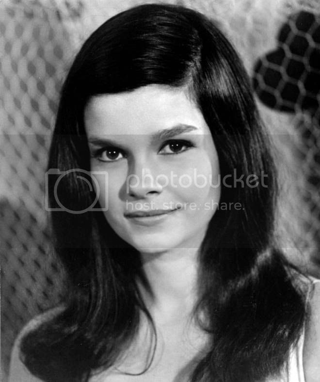 photo 28_Genevieve_Bujold.jpg