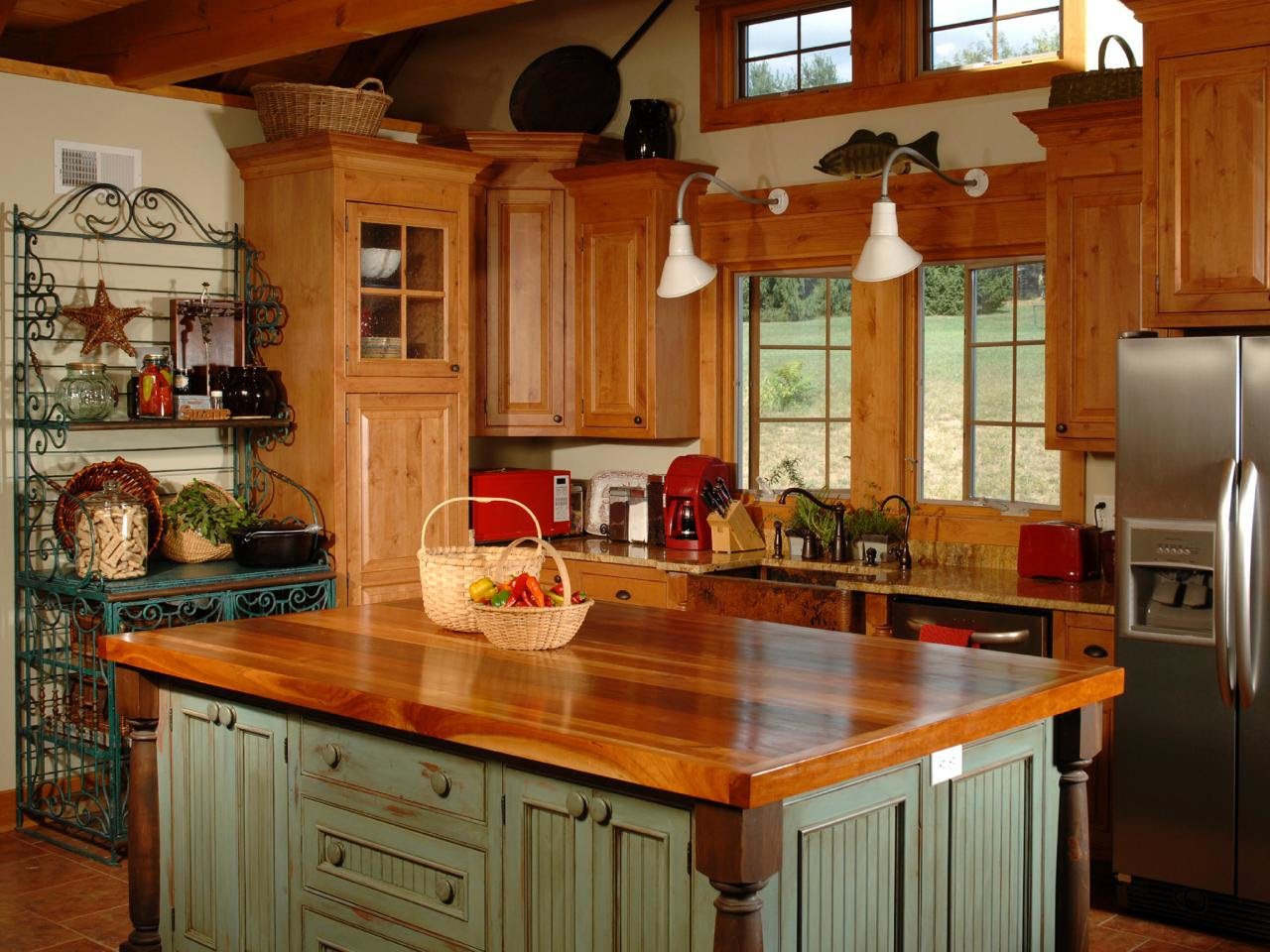 Country Kitchen Islands | HGTV