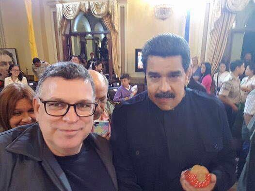 Rogério Giannini, presidente do CFP, junto com o ditador Nicolás Maduro