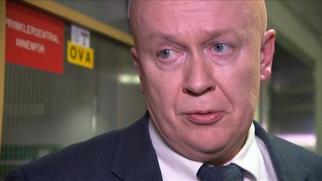 Advokat Arild Holden forteller at Eirik Jensen har fått forkynt tiltalen.