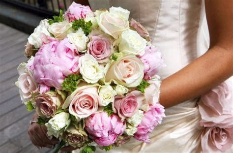 How Much Do Wedding Flowers Cost   Best wedding gifts