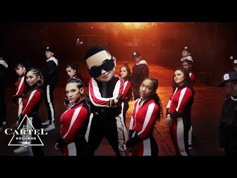 Daddy  Yankee  &  Snow - Con Calma ( Vídeo Oficial)