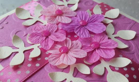 Цветы из гофробумаги своими руками (16)