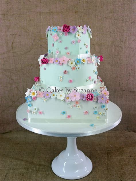 Latest Designs   Cakes by Suzanne   Professional Wedding