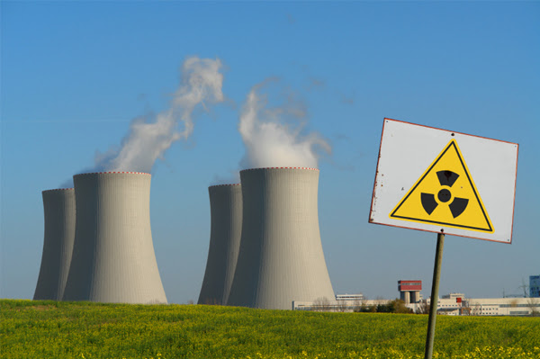 http://wakeup-world.com/wp-content/uploads/2013/10/nuclear-power-plant.jpg