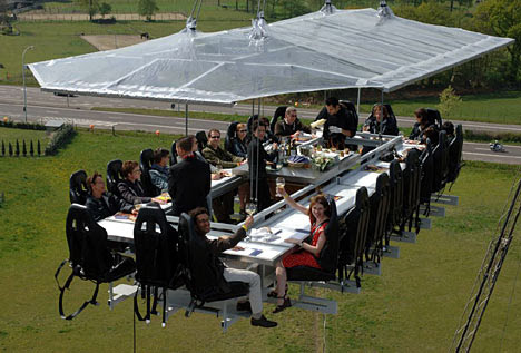 Dinner in the Sky - Having dinner in the sky